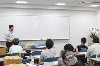 お客様、仕入先様を含め広く資格取得のための講習の場を提供しています。